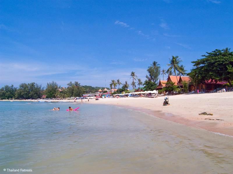Renting a villa near Choeng Mon Beach Koh Samui