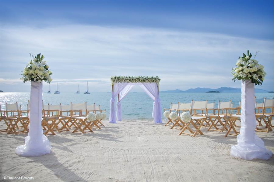 Getting married in a private beach villa in Koh Samui