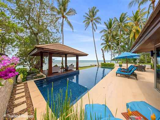 "<p>Akuvara is a 4 bedroom luxury Koh Samui beach villa situated directly on west facing Lipa Noi beach. Enjoys beauiful sunsets on a swimming and occasional snorkelling beach. O<span style=""color: #000080;"">ffers reduced rates for 3 bedroom occupancy only with exclusive use of the villa.</span></p>  <p></p>  <p><span style=""color: #000080;""></span></p>"