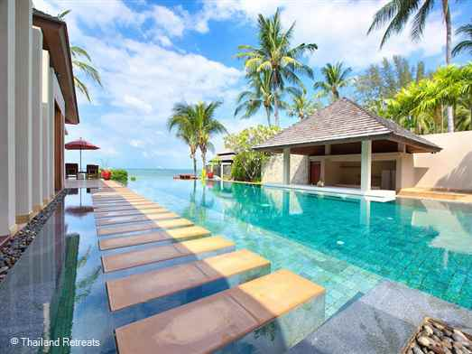 Ayundra Villa sits directly on north Lipa Noi beach. This Koh Samui beachfront villa has an infinity pool and gym and offers rates for 3,4 and 5 bedroom occupancy. (certain seasons).