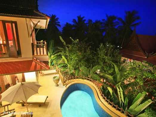 Baan Cueymaille is a tranquil and peaceful private Koh Samui villa with an infinity edge pool surrounded by lush tropical gardens. 5 minutes walk from the family friendly Choeng Mon beach and village or a short tuk tuk ride.