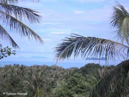 <p>Baan Faan is a spacious 2 bedroom Koh Samui villa with large outdoor living terraces and sea views. Located on lower slopes of an exclusive Bang Por hillside village. Walking distance to a sandy palm fringed beach with restaurants.</p>
