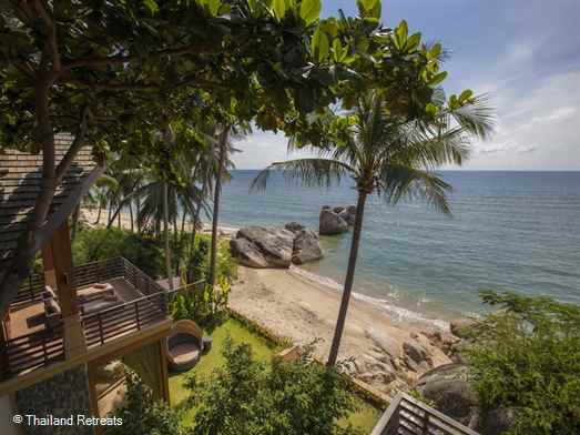 Baan Hin Yai is a luxury beachfront Koh Samui villa in a stunning setting in a section of Lamai beach. Has an infinity pool and access to many watersports toys. Offers rates for 4 and 5 bedroom occupancy.