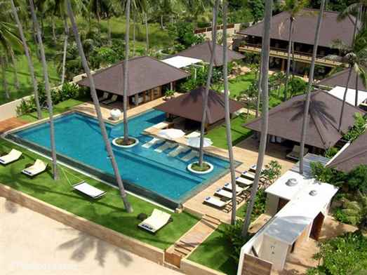 "<p>Baan Mekkala is an ultra luxury 3-6 bedroom Koh Samui beachfront villa on the unspoilt south coast. Has private spa. Perfect for large families, groups of friends or a corporate retreat. <span style=""font-size: 10pt;""><strong>R<span style=""color: #000080;"">educed nightly rates for 3 and 4 bedroom occupancy with exclusive use of the villa.</span></strong></span></p>"