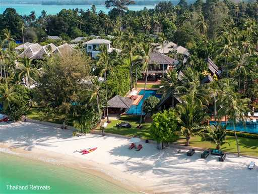 "<p>Baan Puri is a sophisticated 4-6 bedroom Koh Samui family beachfront villa located directly on the sunset facing Lipa Noi beach. Baan Puri features a swimming pool with swim up bar, a play area for children and family sea kayak. <span style=""font-size: 10pt;""><strong>R<span style=""color: #000080;"">educed rates for 4 or 5 bedroom occupancy with exclusive use of the villa.</span></strong></span></p>"