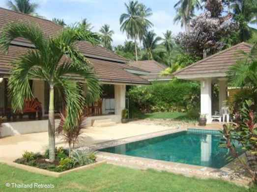 Baan Tan Ta Wan is a lovely garden villa with private pool set within a private secure gate surrounded by palms. Has a communal gym and 2.2km from Maenam beach and village.
