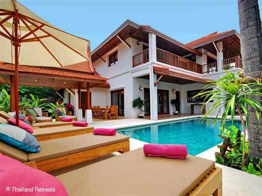 BaanTawan is lovely villa with pool set within a beachside Koh Samuii resort on the tranquil south coast of Koh Samui. Amenities include a beachfront Beach Club and restaurant, tennis, gym yoga and much more. Offers rates for room only, with breakfast, full board or al inclusive.