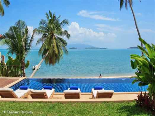 Bacaya is a perfect villa for those who wish to be on a beautiful palm fringed beach with all year round swimming and lined with small resorts and private villas. This beachfront Koh Samui villa is set on the edge of  a bustling village with a choice of restaurants, tour shops and bars.