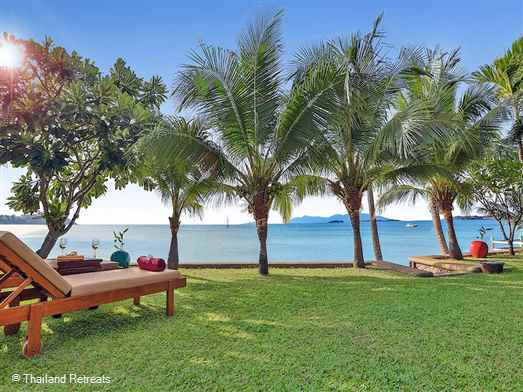 Villa Ban Tamarind is a large villa set on the palm fringed Big Buddha beach in the bustling village of Ban Bang Rak. Lap pool and several relaxation areas. 5 minutes from Fisherman's village, 10 minutes from lively Chaweng