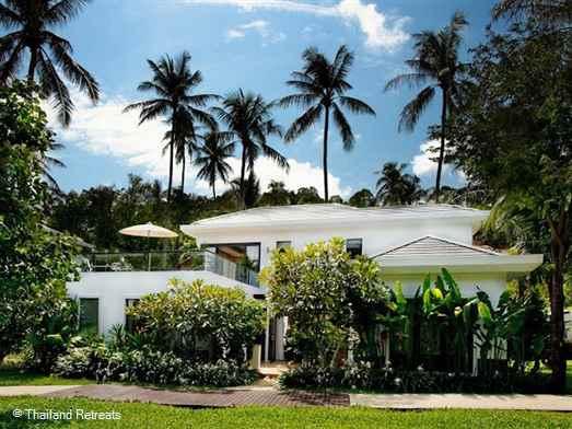 <p>Frangipani Pool Villa Is a stylish Koh Samui villa on a small luxury beach development at Ban Tai beach. Private swimming pool, roof terrace and 25m resort pool. Great views of the neighbouring island - Koh Phangan.</p>