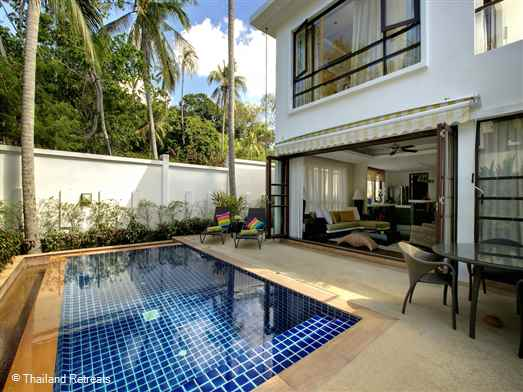 Frangipani Pool Villa Is a stylish Koh Samui villa on a small luxury beach development at Ban Tai beach. Private swimming pool, roof terrace and 25m resort pool. Great views of the neighbouring island - Koh Phangan.