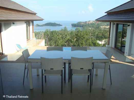 Frangipani Sea View Villa is a fabulous Koh Samui Holiday Villa located in a secure gated community walking distance to Choeng Mon beach and village. 5 mins to Fisherman's Village and 10 minutes to lively Chaweng.