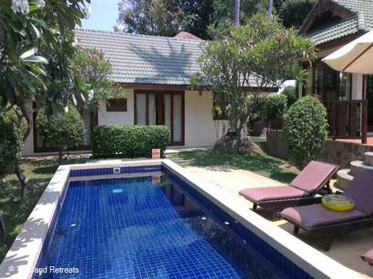 A spacious and luxury family villa sleeping 10 set on a secure beachside development in the 5 mins drive to popular Choeng Mon and Bophut Fisherman's village.