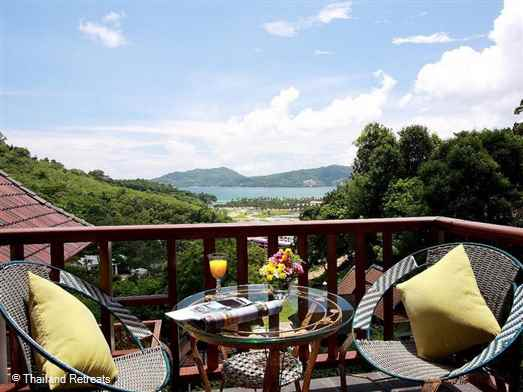 This Patong Hill Villa (5 bed) is one of a small group of private holiday villas located within a 3 minutes drive of the famous Patong Beach in Phuket> Has stunning views and set on a 24 hour secure gated small development