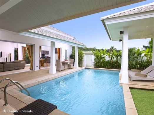 Samui Sunset is a very private villa with it's own pool with shaded outdoor areas as well as in the sun. A great location walking distance to the popular Choeng beach and village.