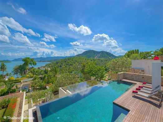 Samujana Villa 15 is a sleek contemporary property featuring indoor/outdoor living. Amazing views over Chaweng Bay and Koh Matlang. Located near Choeng Mon beach and a short hop to lively Chaweng.