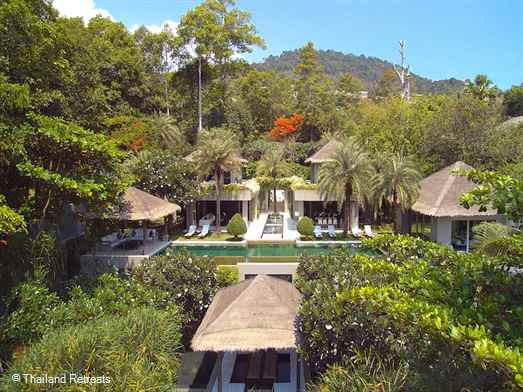"<p>Sangsuri Villa 3 is a high spec tropical style 7 bedroom Koh Samui beachfront villa (including 1 dorm) set in landscaped gardens and located in between the popular areas of Choeng Mon and Chaweng Beach. <span style=""color: #000080;"">Reduced rates offered for 2,3,4,5 &amp; 6&nbsp; bedroom occupancy with exclusive use of the whole villa.</span></p>"