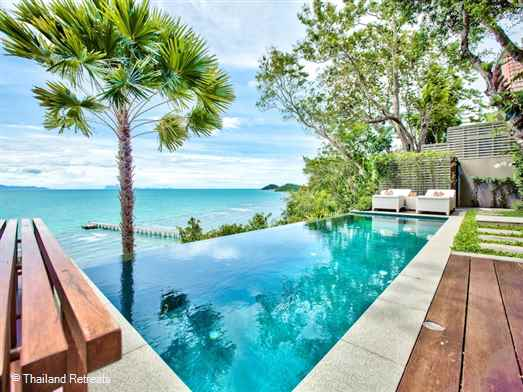 "<p>The Headland Villa 2 is stylish 1-2 bedroom hideaway with a private pool in a beautiful location in the south west coast. Stunning west facing views and steps down leading to a sandy cove. Restaurants within walking distance. <span style=""font-size: 10pt;""><strong><span style=""color: #000080;"">Reduced rates for 1 bedroom occupancy only.</span></strong></span></p>"
