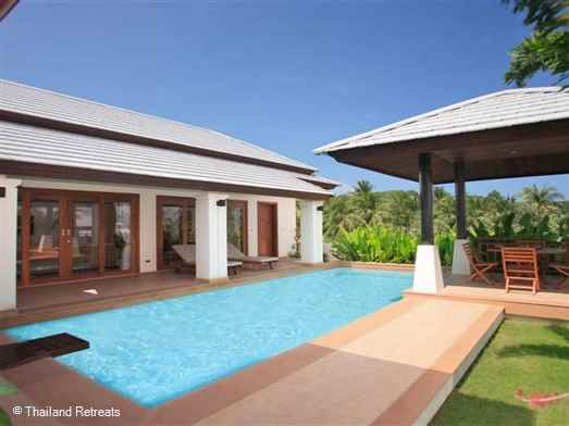Villa Vigo is  spacious 2 bedroom villa with private pool set within a secure villa development and within walking distance to popular Choeng Mon Beach and village.