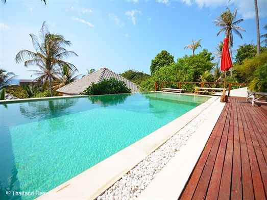 Baan Mai  Lee is a 5 bedroom Koh Phangan villa spread over 2 pavilions and offers views over Haad Yao bay and within walking distance to the town and beach.