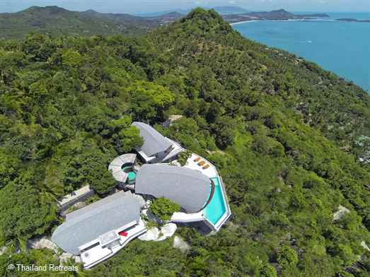 Villa Moonshadow is an award winning eco-design luxury hillside villa with stunning panoramic ocean views of over Chaweng bay and the north east peninsular of Koh Samui. Close to the popular beaches of Chaweng Noi and the the town and beach of Chaweng.