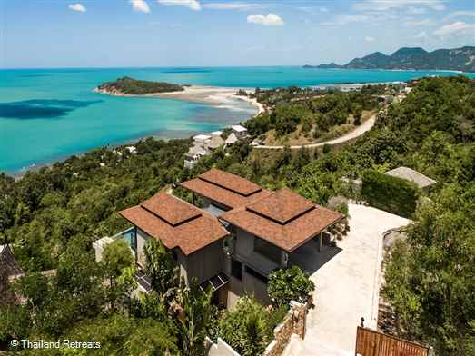 Ban Nai Fan is a luxury Koh Samui villa located on an exclusive hillside of luxury villas bordering the popular area of Chaweng. This 3 bedroom villa has stunning ocean views from all rooms.