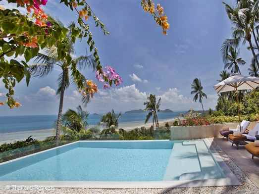 Baan Silavaree is the ultimate luxury private island escape with breathtaking views along the south coastline of Koh Samui. Located with in an exclusive estate a car is also available for guest use.