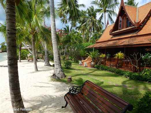 Five Islands Beach House is an authentic Thai-style beachfront property with private pool. Set above a palm fringed sandy beach overlooking the Gulf of Siam. Walking distance to quality restaurants. Upmarket location south west Koh Samui.