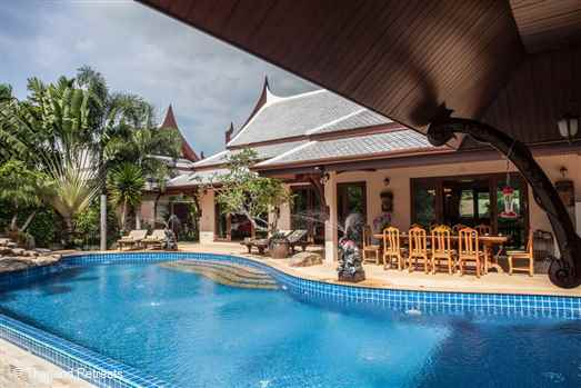 Villa Saifon 1 is a Thai style self catering villa with 19m swimming pool located just 10 minutes drive to  Ao Nang town and beaches. Beautiful location with two of Krabi signature limestone mountains for a backdrop that will take your breath away. Staffed villa with chef service on request.