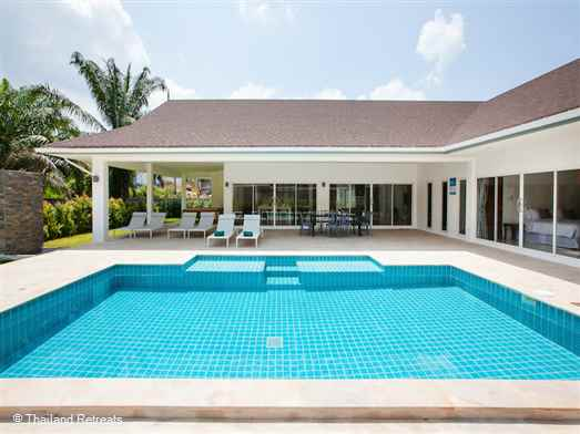 Villa Anna is a newly built stylish and modern 4 bedroom villa with a private 10m x 3m pool and located just 3km from the neared beach. The villa features a large open plan living area and extra beds are available to sleep up to 11 persons.