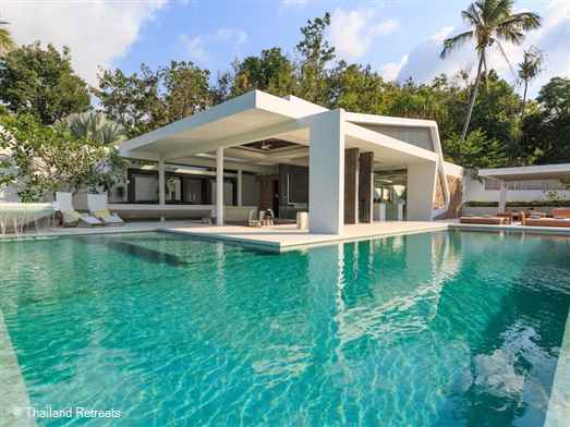 Celadon is a very private villa nestled in a secluded hilltop offering stunning views over the islands of the Angthong National Marine Park and Koh Phangan. Cutting edge architecture and luxurious interiors embraces tropical indoor/outdoor living at its best.