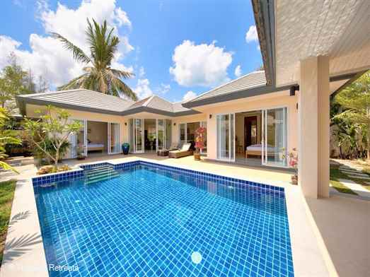 Lipa Talay Saam is ideal for that perfect getaway on the beautiful west coast of Koh Samui just 1 minute's stroll from the sunset facing sandy beach. This 2 bedroom villa with it's own private pool is ideal for couples or friends to enjoy a Koh Samui holiday in peace and relaxation.