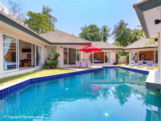 Lipa Talay Neung is one of of a group of private villas with a private pool just a few minutes walk to the tranquil west facing Lipa Noi beach. The villa is ideal for a peaceful holiday with friends and family and perfect to explore the tropical palm fringed west coast of Koh Samui.