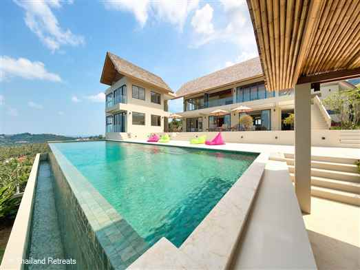 Nojoom Hills is an amazing villa located in the hills of popular Bophut close to amenities. Has a super large private swimming pool and stunning panoramic sea views, Perfect for families and groups of friends.