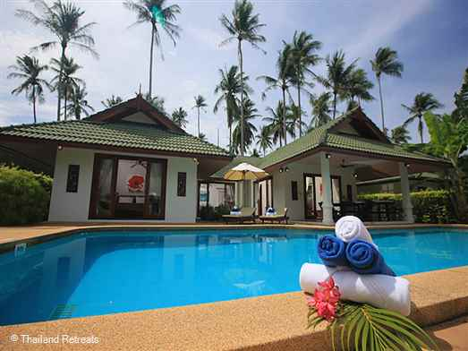 Idyllic Grand Villas are a choice of two 4 bedroom spacious villas with private pools located on a small beachside resort in the popular north east of Koh Samui. Tranquil beach shared with 2 other resorts. Shuttle buses to Chaweng, Choeng Mon and Bophut. Reception for services and tours.