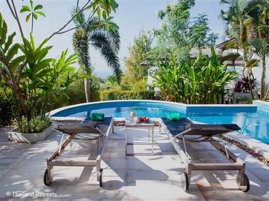 A 2 bedroom en-suite villa with private pool elevated above the Klong Muang beach area within 5 minutes drive to the beach and low key restaurants and bars. The tourist town of Ao Nang is 15 minutes away. Baan Eng Fah is the perfect base for 1 or 2 couples to chill out after exploring amazing Krabi.