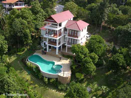 Baan Waan is a west facing Koh Samui villa with large private pool located in the hills above the beautiful tranquil beaches of Bang Por. The villa has 3 spacious bedrooms and considered private and secluded perfect for a family or groups of friends.