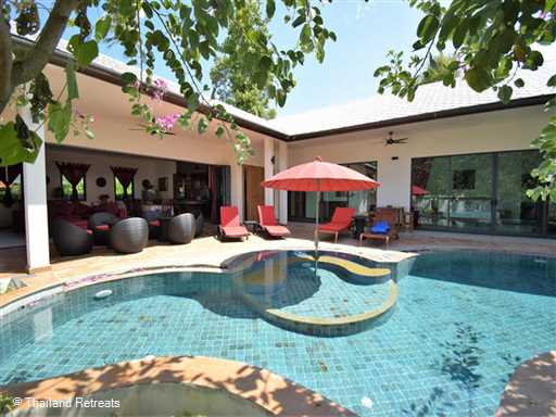 <p>Banyan Villa 4 is one of a small group of villas on a secure beachside development. Walled in for privacy the villa has it's own swimming pool with kiddies pool / jacuzzi as well as the large beachfront communal swimming pool. A great place for a Koh Samui family holiday.</p>