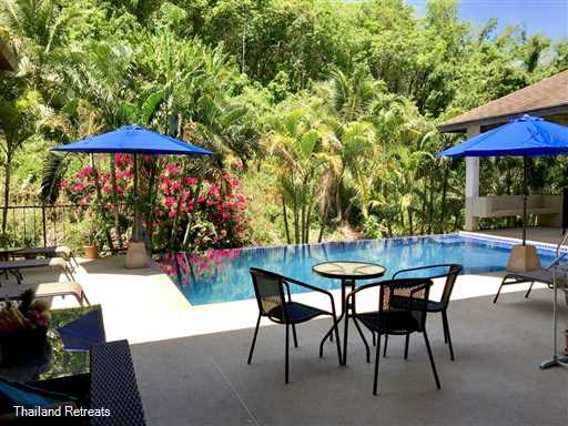 <p>Sapphire Villa is a well managed comfortable 4 bedroom Phuket holiday villa with private pool located just a few minutes drive from beautiful Nai Harn Beach in the south. A reception area provides a daily shuttle service to and from the beach from the villa</p>